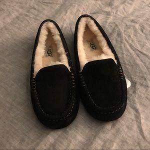 UGG Ansley Slippers, Black, size 6